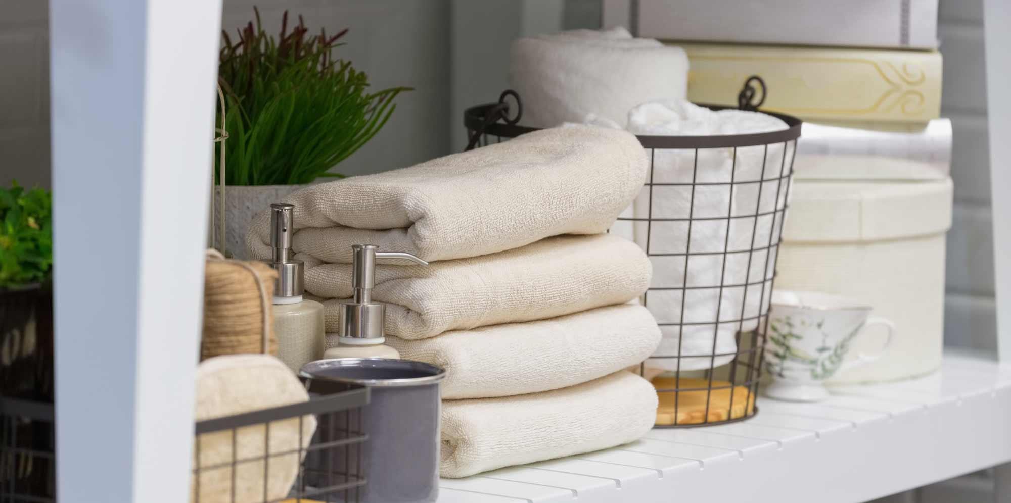 Bed bad en huishoudlinnen - Interieur decoratie badkamer ...